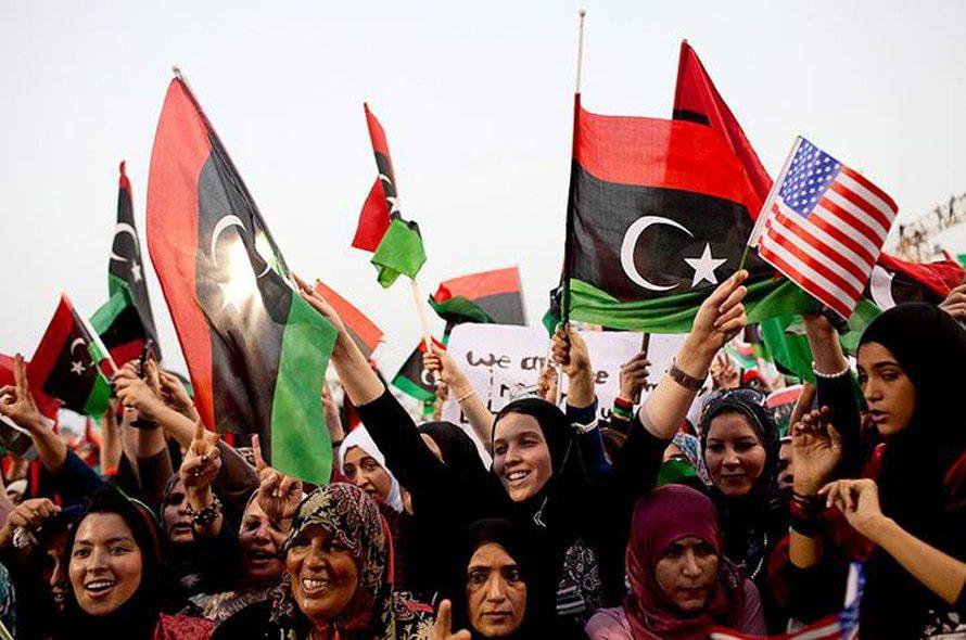 ليبياالحكومة- ليبيون يحتفلون بسقوط معمر القذافي في 2 سبتمبر 2011 / Photo HH