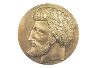 قطعة نقدية عليها صورة للملك ماسينيسا