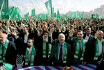 أهالي غزة يتفرجون على استعراض لحماس  Photo HH