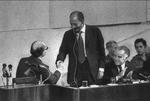الترحيب بالرئيس المصري أنور السادات من قبل رئيس الوزراء الإسرائيلي مناحيم بيغن في الكنيست