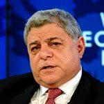 2012 نيسان/أبريل رئيس الوزراء عون الخصاونة، استقال في