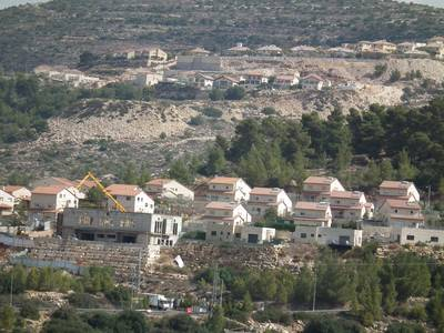 Construction in the settlement of Dolev, northwest of Ramallah / Photo Fanack