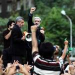 Mir-Hossein Mousavi speaks during to the protesters