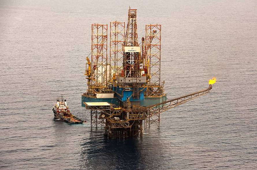 Geography Egypt - East Zeit offshore oil field