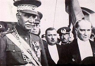 الرئيس مصطفى كمال أتاتورك والشاه رضا بهلوي
