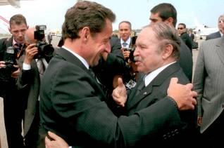 الجزائرالحكم - الرئيس عبد العزيز بوتفليقة مع الرئيس الفرنسي نيكولاس سركوزي عام 2007