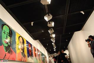 Works by pop-artist Andy Warhol shown in 2012