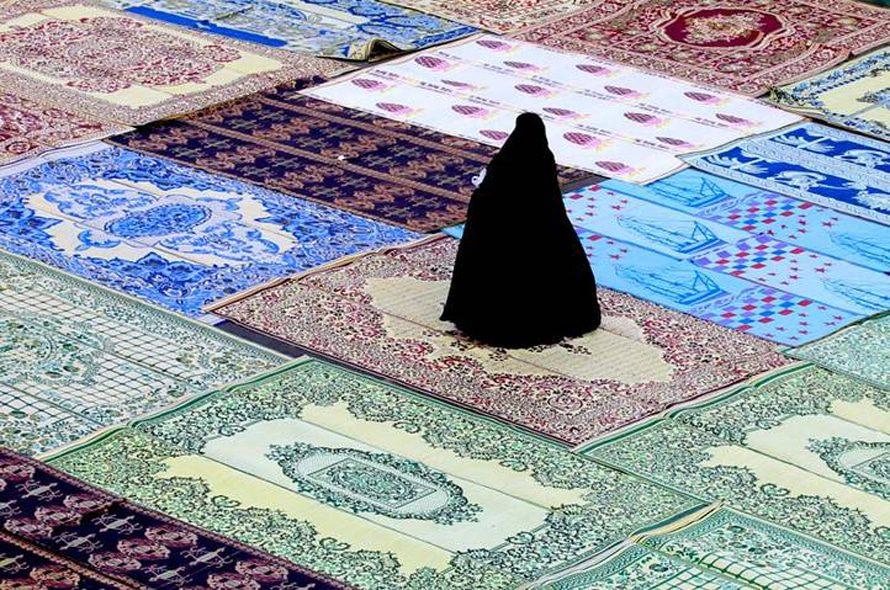 السجاد العجمي في عيد الفطر في مقام حضرة عبد العظيم في طهران / Photo HH