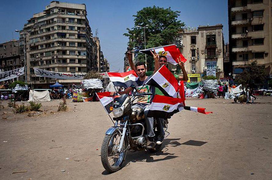 الحكم - حملة انتخابية لمحمد مرسي، مرشح حزب الحرية والعدالة في أيار/مايو 2012