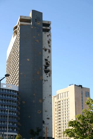 فندق هوليداي إن: رمز مقدس للحرب الأهلية اللبنانية