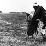 عجوزان يفران من وطنهم عام 1948 UNRWA Photo Archive