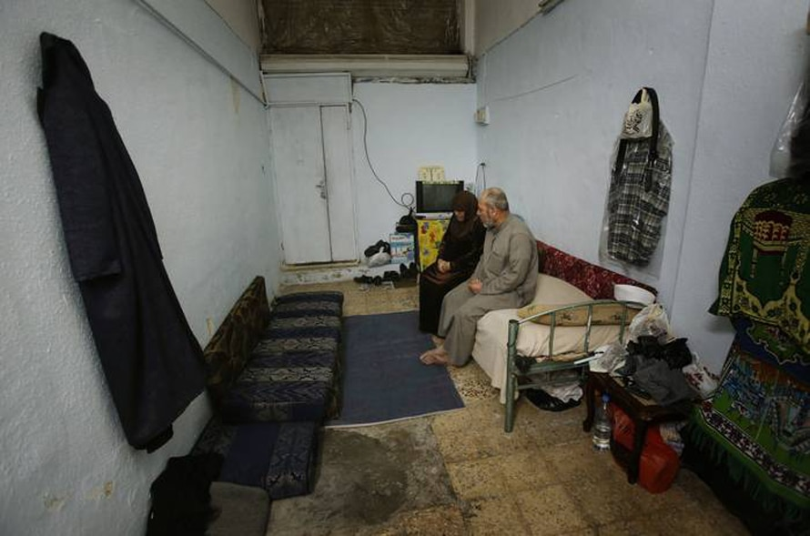 لاجئون سوريون يعيشون في غرفة تخزين, الزرقاء / Photo HH