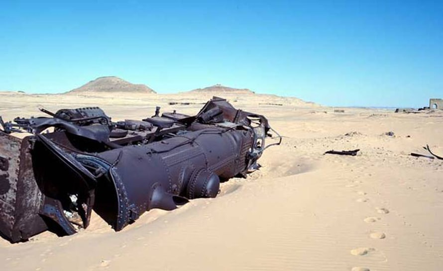 Jordan History Wreckage of a steam locomotive of the Hejaz Railway / Photo: thesecrethistoire.blogspot.com