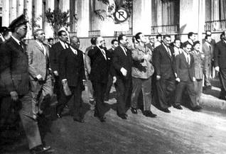 At the first Arab League summit in 1964, Arab leaders walk in the streets of Cairo