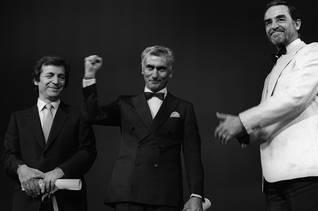 Yılmaz Güney receives the Palme d'Or in Cannes, 1982