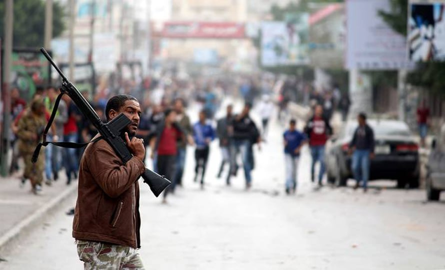 Clashes between the Libyan army and Ansar al-Sharia, Benghazi, 25 November 2013 / Photo Anadolu Agency