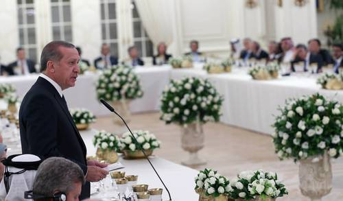 President Recep Tayyip Erdoğan speaks in the presence of foreign presidents at Çankaya Palace, Ankara, 28 August 2014 / Photo Anadolu Agency