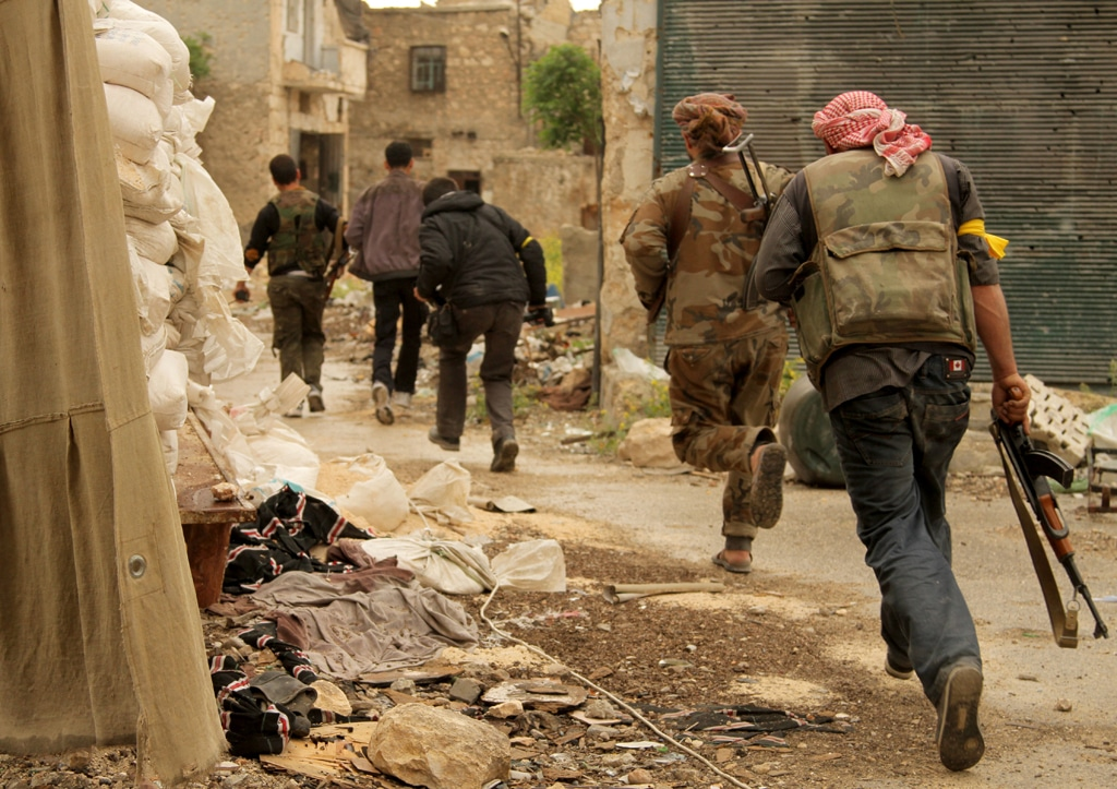 Free Syrian Army soldiers in action in Aleppo / Photo Anadolu Agency