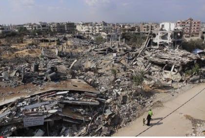 إعادة إعمار غزة: تعهدات دولية و قيود