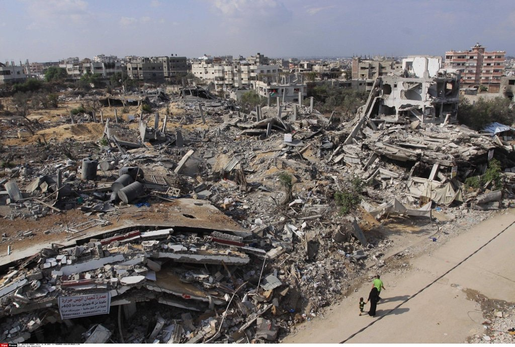 Shuja'iya neighbourhood east of Gaza City, October 2014 / Photo SIPA Press