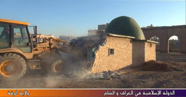 A Sufi mausoleum in Raqqa is being torn down by Islamic State, January 2014