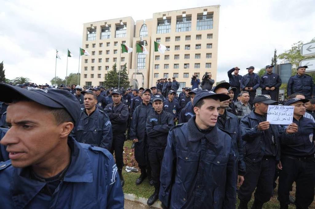 Algeria-police protest