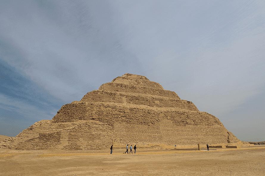 أول هرم مدرّج في سقارة من القرن 27 قبل الميلاد