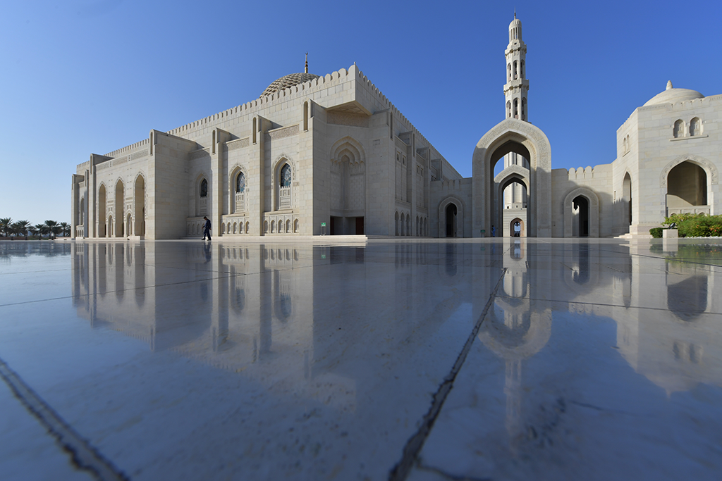 المسجد الكبير في مسقط عُمان