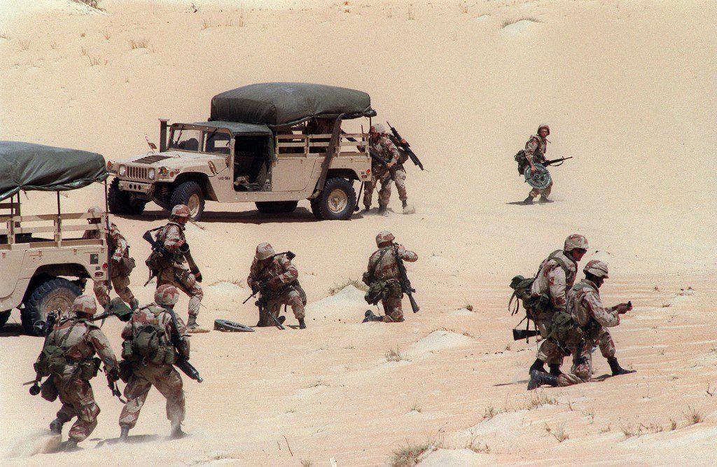 US troops in the desert