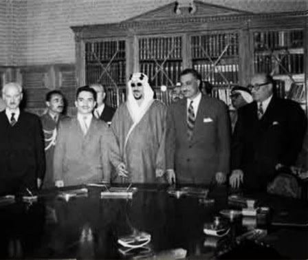 زعماء عرب خلال قمة الجامعة العربية في القاهرة عام 1957
