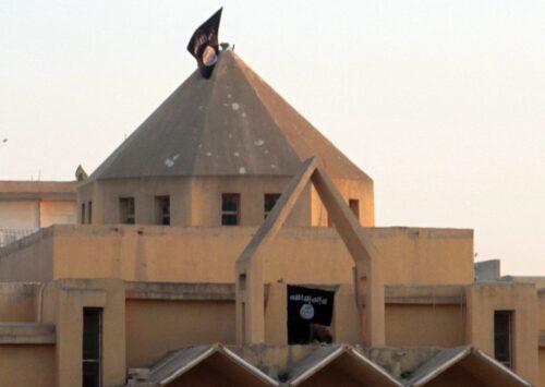 معاناة المدنيين في ظل حكم داعش