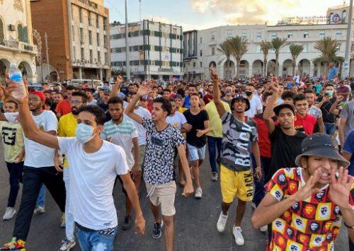المناورات السياسية تقوّض محادثات السلام الليبية