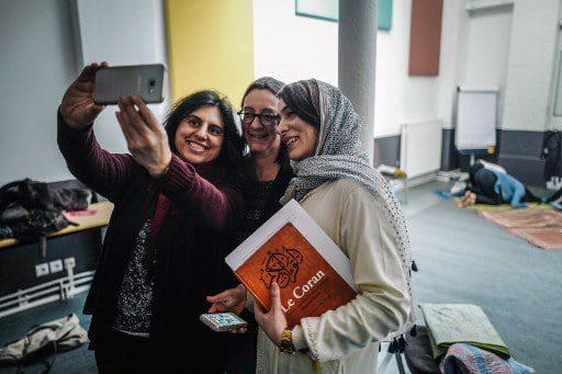 النساء في المساجد: تركيز انتباهنا على عدد الأئمة النساء يُغفل التقدم الذي تم إحرازه