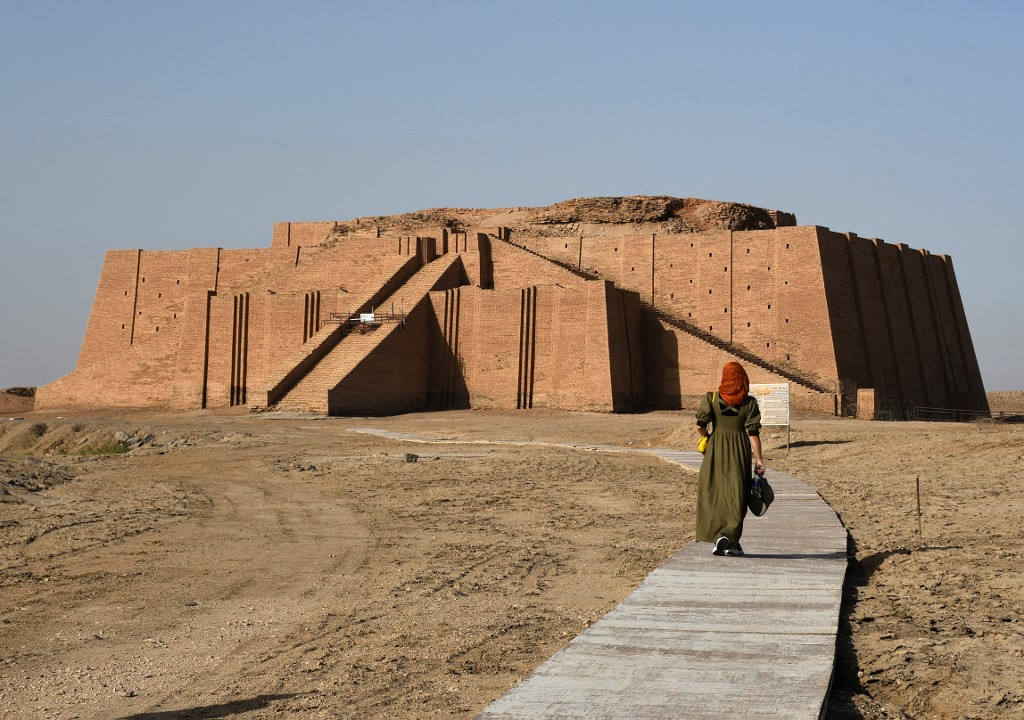 the Great Ziggurat temple, a massive Sumerian stepped mudbrick construction