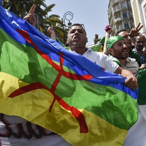 الأمازيغ يلعبون دوراً محورياً مع صياغة الجزائر لمستقبلٍ سياسي جديد