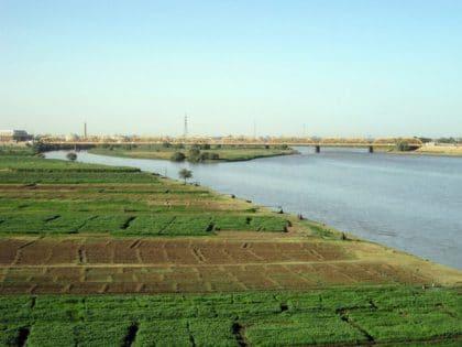 نهر النيل: تحديات متعددة وصراعات محتملة بين مصر وإثيوبيا