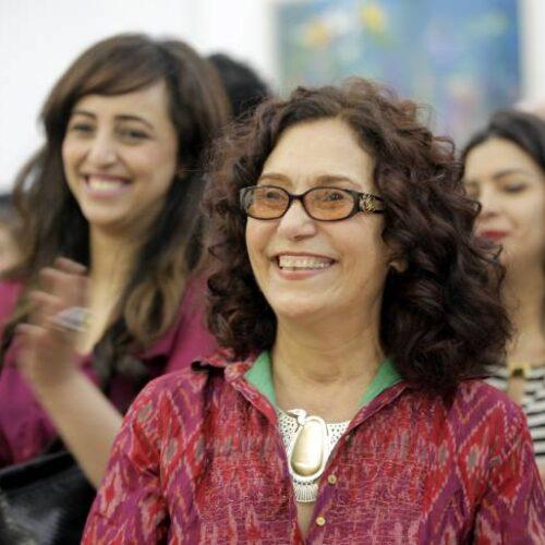 عزة فهمي: رسولة الفن العربي إلى العالم عبر المجوهرات
