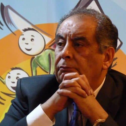 يوسف زيدان: كاتب ومفكر مصري يفكك الموروث الثقافي والديني
