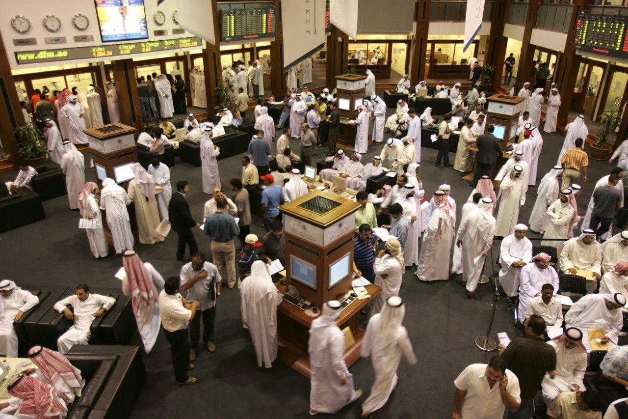 أسعار النفط المنخفضة في دول مجلس التعاون الخليجي: مِنح تُقيّد ملوك النفط