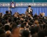 الفساد يُقوّض النظام الإيراني، إلا أن الشهية نحو التغيير شبه منعدمة