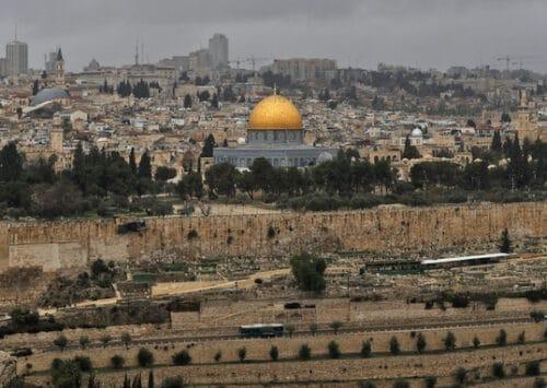 مخطط التلفريك يُشعل خلافاً جديداً حول المواقع المقدسة في القدس