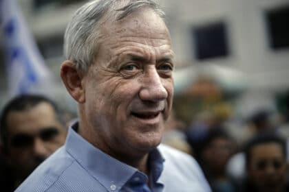 الانتخابات الاسرائيلية: رئيسٌ سابق للجيش يشكل تهديداً حقيقاً لنتنياهو