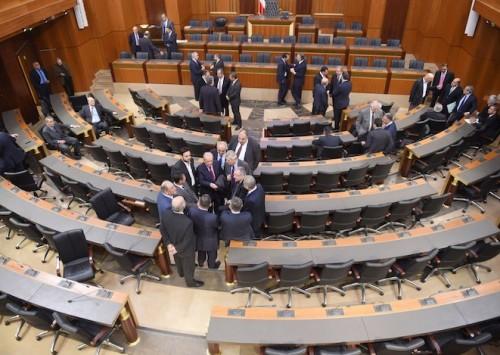 إشكالية الوضع السياسي في لبنان