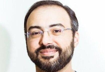 إياد البغدادي ينجو من قبضة المملكة العربية السعودية على حرية التعبير