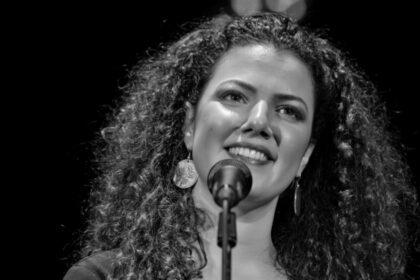 ناي البرغوثي: رحلة بحث شابة عن صوتٍ جديد في عالم موسيقى الشرق الأوسط