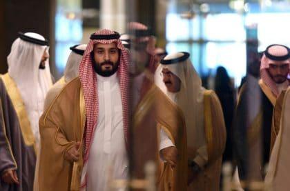ولي العهد السعودي يسجن معارضيه وعينه على العرش