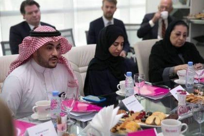 خالد الخضير: رجلٌ سعودي يضع المرأة أولاً
