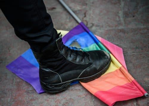 المثلية الجنسية في السعودية: اضطهادٌ ومعصيةٌ وتكتم