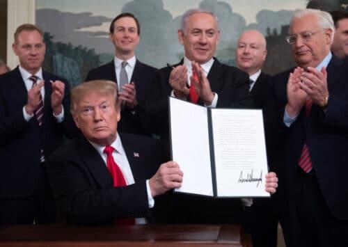 ترمب يعترف بالسيادة الإسرائيلية على مرتفعات الجولان ويعيق جهود السلام