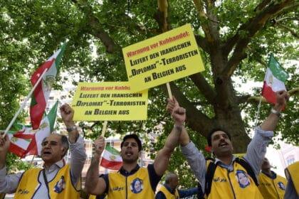 إتهام إيران بعمليات اغتيالٍ في أوروبا: ما الذي حصل ولمَ؟